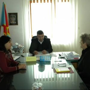 Претставнички на Организацијата на жени на Пехчево во посета на градоначалникот Поповски
